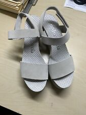 Pedro Garcia Beige Cream Leather Suede wedge new size 36 Ankle Strap