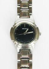 Ladies SEIKO V701- 2K90 Quartz Watch - New Battery!