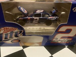 #2 RUSTY WALLACE  MILLER LITE 1/1,588 DODGE INTREPID CLUB CAR 2003 ACTION 1:64