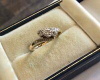 Beautiful Ladies Antique 18CT Gold & Platinum Three Stone Diamond Ring - N