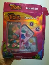 Trolls Cosmetic Set  Flavored Lip Gloss Carrying Case 12 pieces in 3 part