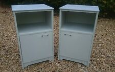 PAIR OF VINTAGE RETRO LIGHTLY  DISTRESSED AVALON YATTON BEDSIDE CABINETS IN GRAY