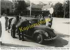 Foto Auto VW Käfer Brezel III-43007 Straßenbaumaschinen-Ausstellung München 1938