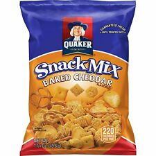Quaker Baked Cheddar Snack Mix 40 Count 1.75 Oz Bags - Deliciously Cheesy Fun