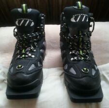 New listing Kids cross country 3 pin ski boots size EUR 35 - EUC