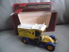 Voitures, camions et fourgons miniatures bleus Matchbox