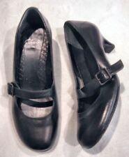 Leather Court Med (1 3/4 to 2 3/4 in) Heel Height Heels for Women