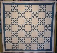 GRAPHIC ANTIQUE BLUE AND WHITE ARROW QUILT C 1900 FABULOUS QUILTING