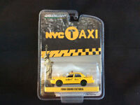Greenlight 1:64 2011 Ford Crown Victoria NYC Taxi Hobby Exclusive GREEN MACHINE