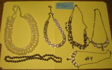 6 WOMEN'S NECKLACES  (ALL THAT GLITTER)