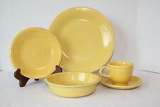 -> Fiesta 5-piece Setting Sunflower  Dinner, Salad Plate, Bowl, Tcup & Saucer <-