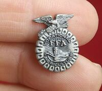 Vintage FFA Vocational Agriculture Future Farmers Button Pin Screwback *QQ16-1