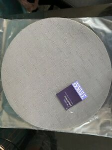 Pack of 8 Grey Round Woven Placemats
