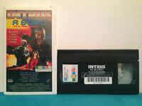 Alien intruder / Intrus a bord VHS tape & case RENTAL  FRENCH RARE