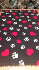 VET BEDDING  NON-SLIP HEARTS AND DOG PAW 5MT X 1.52MT