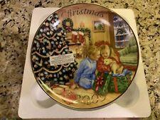 AVON CHRISTMAS PLATE 2009 A Gift to Remember LAB DOG BOY GIRL Chris Bigelow NIB