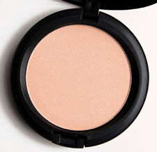 """BNIB,  MAC COSMETICS BEAUTY POWDER IN """"TOO CHIC"""". SOLD OUT. RARE!!"""