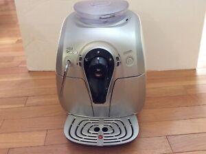 Philips Saeco xsmall HD8745 220v 1300w superautomatic espresso machine