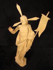 Ostern: Auferstehungs-Christus, handgeschnitzt, Lindenholz, ca.33 cm, natur
