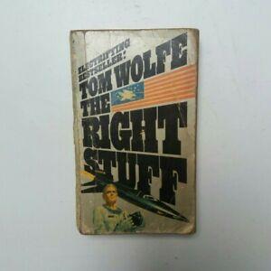 TOM WOLFE / THE RIGHT STUFF / NON FICTION MILITARY BOOK BANTAM BOOKS