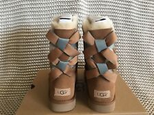UGG CHESTNUT BAILEY BOW II SHIMMER SHEEPSKIN BOOTS, WOMEN US 8