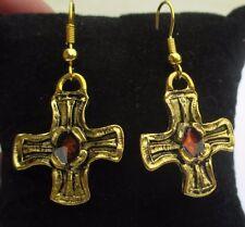 Bijou vintage boucles d'oreilles percées croix  couleur bronze doré rubis 3268