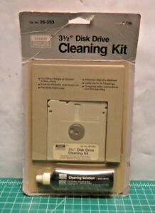 """VINTAGE TANDY 3 1/2"""" Floppy DISK DRIVE Cleaning SYSTEM 26-253 sealed new"""