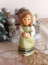 Goebel ★ Engel wirft Schneeball ★ Hellgrünes Kleid ★  RARITÄT zum Winterdorf