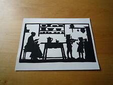 Scherenschnitt  - Motiv : Mutter und Kinder in der Küche