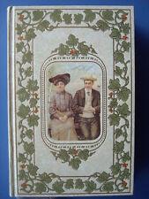 Laure DESROCHES : Sous l'édredon. Le couple de 1870 à 1914. Crémille, 1994.