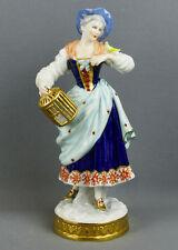 Volkstedter Porzellanfabrik, Porzellanfigur Mädchen mit Vogel, Goldstaffiert,