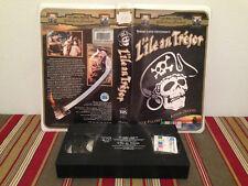 Treasure island  / l'ile au tresor VHS tape & clamshell case