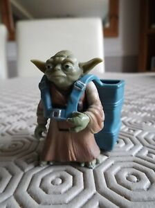 STAR WARS YODA AND BACKPACK 3.75 ARTICULATED FIGURE