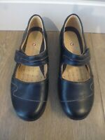 CLARKS ARTISAN UNSTRUCTURED 'UN HELMA' BLACK LEATHER MARY JANE FLATS - UK 4.5