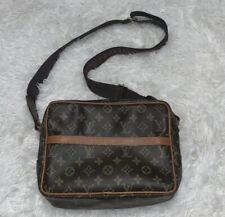 Louis Vuitton Small Messenger Bag
