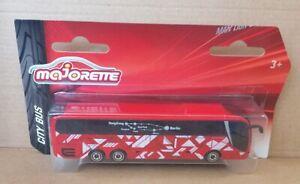 Majorette 212053159 - City Bus MAN Lion´s Coach L, Honk Kong-Berlin, rot - Neu