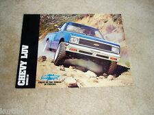 1982 Chevrolet LUV pickup truck gas diesel sales brochure dealer literature