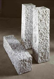 Naturstein Granit hellgrau Palisade 12x12x25cm, gespalten gespitzte Oberfläche