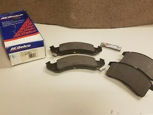 New Genuine GM Front Disc Brake Pad Kit 92-93 Buick Chevy Olds Pontiac Cars