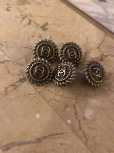 Chanel set of 5 small CC buttons. 13 mm