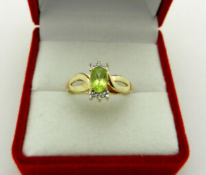 VTG 10k yellow gold Oval Peridot Ring with Diamond Accent size 5.75