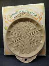 BROWN BAG COOKIE ART CERAMIC SHORTBREAD PAN HEARTS AND FLOWERS 1988