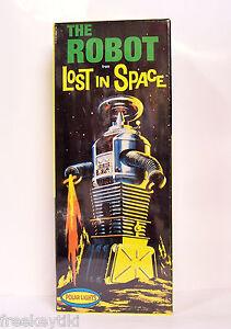 Polar Lights Lost In Space B-9 ROBOT Model kit 1/24 Science Fiction Aliens UFO