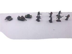 Vintage KPT89 military anti-aircraft 3 pcs & 7 Miniature Soldiers monogram 1990