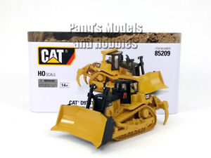 CAT D9T Track Type Tractor - Bulldozer HO Scale  (1/87) - Diecast Metal Model