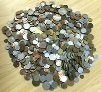 """CB565c) World mixed coins, unsorted. Contains a % of """"Holiday change"""" ( 5kg )"""