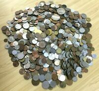 """CB565c) World mixed coins, unsorted. Contains a % of """"Holiday change"""" ( 3kg )"""