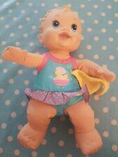 Hasbro Baby Alive Splash N Giggle Baignoire Temps Poupée avec serviette/Lavable