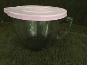 Pampered Chef Classic Batter Bowl 2 Quarts / 8 Cups Glass With Pink Lid