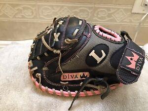 "Louisville DIVA DVCM 31"" Youth Girls Softball Catchers Mitt Left Hand Throw"